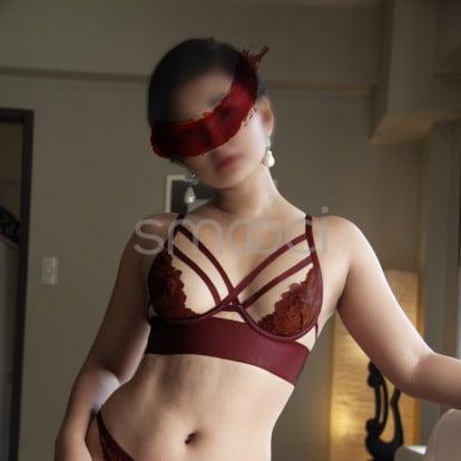 Erin – new photos as of November 2020 😘