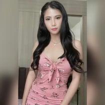 Almira Smooci model