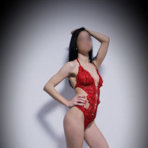 Annalise Sparkles Smooci model