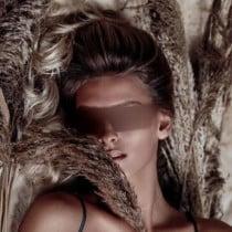Elizabeth Smooci model