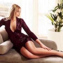 Eva Sparkles Smooci model