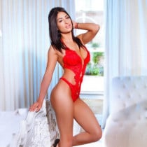Ines Smooci model