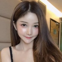 Jesslee Smooci model