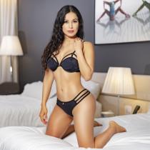 Linda Smooci model