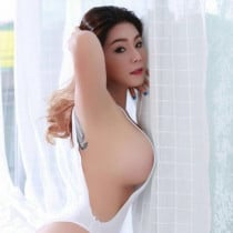 Lisa Smooci model
