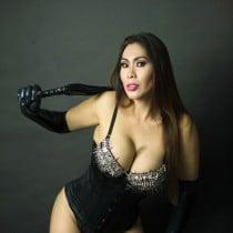 Madame A Smooci model