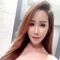 Miki Smooci model