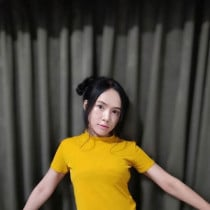 Molly Smooci model