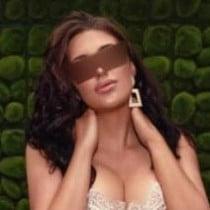 Naomi Smooci model
