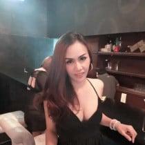 Sunny Smooci model
