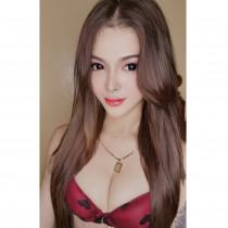 Trisha Smooci model